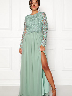 Moments New York Primrose Crochet Gown