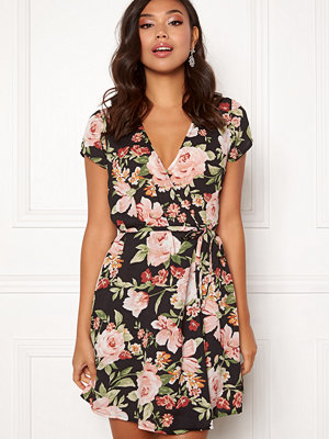 Bubbleroom Nadine wrap dress