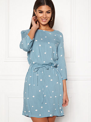 Object Evie Vera Dress