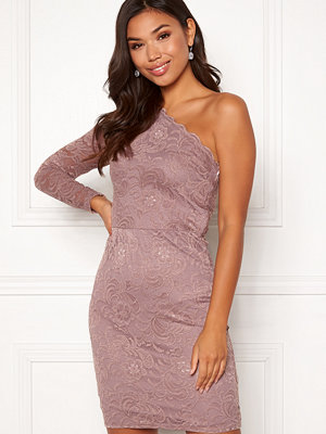 Bubbleroom Marianna lace one shoulder dress