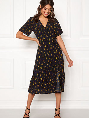 New Look Sable Floral Wrap Dress