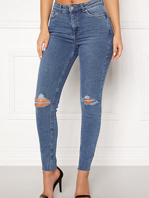 New Look Ripped Cut Off Jeans