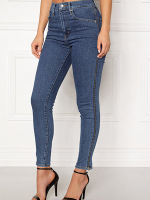 Levi's marinblå byxor Mile High Ankle Zippers