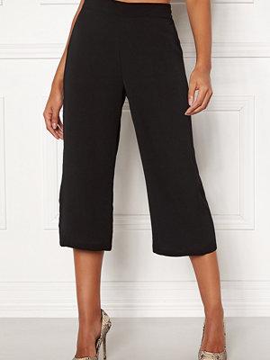 Vero Moda svarta byxor Saga HW Culotte Pant