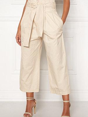 Jacqueline de Yong omönstrade byxor Donna Paperwaist Pants