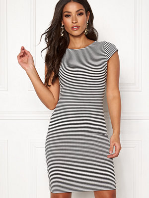 Only Pablo Capsleeve Dress