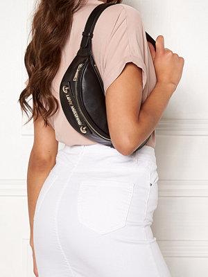 Love Moschino svart väska Love Moschino Bum Bag