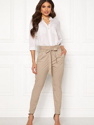 Vero Moda omönstrade byxor Eva Loose Paperbag Pants