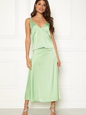 Ivyrevel Split Skirt Pastel Green