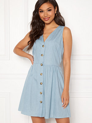 Sisters Point Nopi Dress