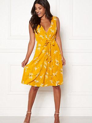 Happy Holly Isla dress