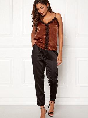 Chiara Forthi Delillah lace singlet Brick-red / Black