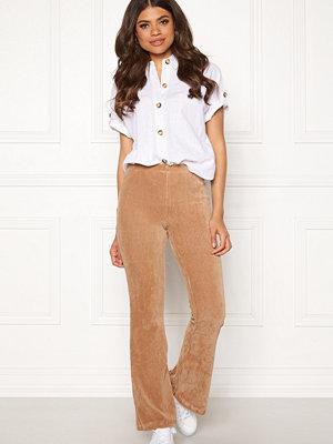 Pieces beige byxor Iroa Flared Pants