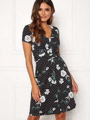 Happy Holly Elin dress