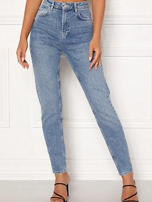 Pieces Leah Mom HW Ankle Jeans Light Blue Denim