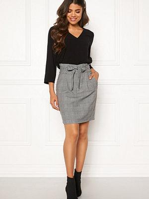 Vero Moda Eva Paperbag Short Skirt