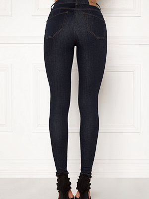Happy Holly svarta byxor Amy push up jeans