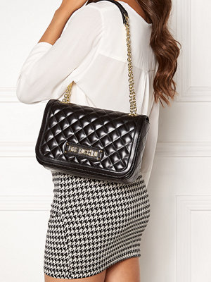 Love Moschino svart väska Shiny Quilted Bag