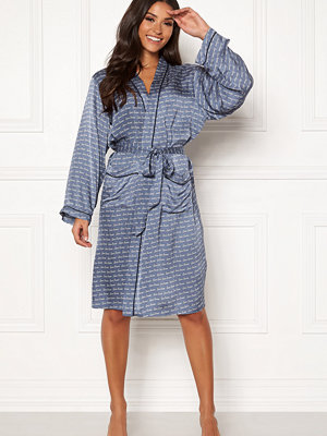 Love Stories Susie Robe