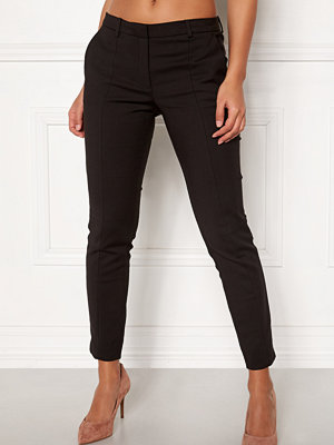 Selected Femme svarta byxor Muse Fie Cropped MW Pant