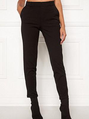 Vero Moda svarta byxor Maya MR Loose Solid Pant Black