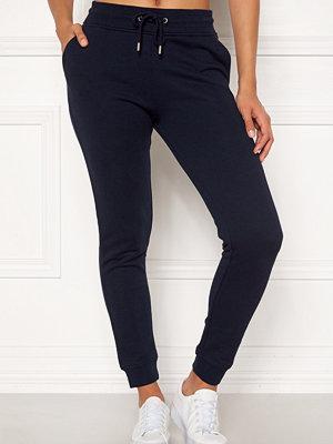 Gant svarta byxor Tonal Shield Sweat Pants