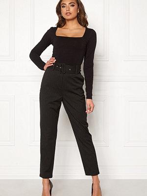 Make Way svarta randiga byxor Elin belted trousers