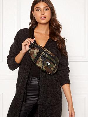 New Era mönstrad väska Ne Waist Bag Light