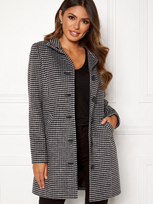 Happy Holly Harper coat