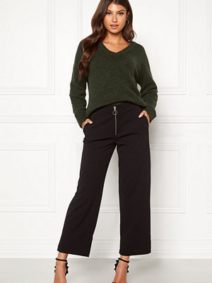 Only svarta byxor Lisa Wide Fit Pant