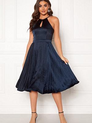 Chi Chi London Benita Keyhole Midi Dress