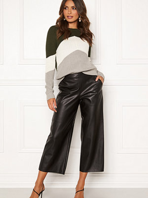 Vila svarta byxor Pen RW Cropped Wide Pants