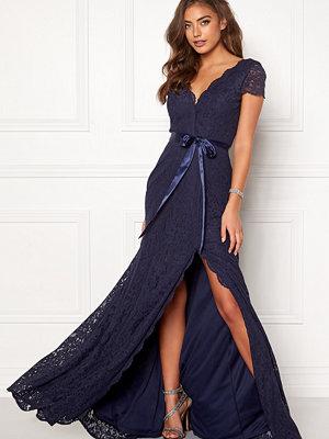 Festklänningar - Moments New York Viola Lace Gown