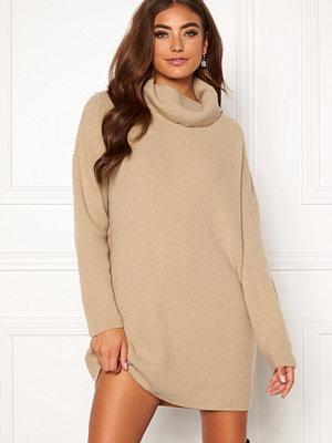 Moa Mattsson X Bubbleroom Knitted sweater dress