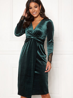 Happy Holly Leonora velvet dress