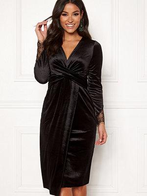 Happy Holly Leonora velour dress