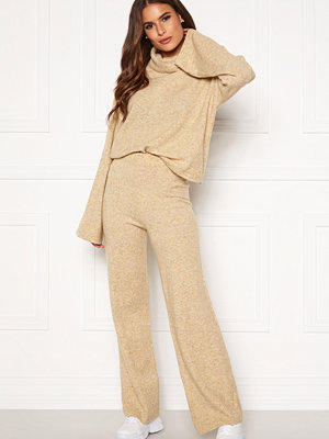 Pieces gula byxor Honey Wide Knit Pants