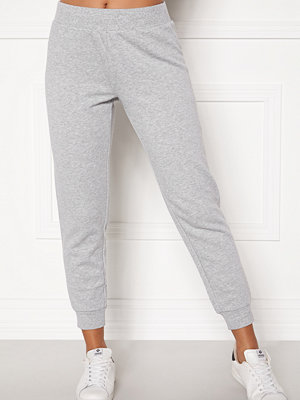Juicy Couture ljusgrå byxor med tryck Core Gothic Track Pant