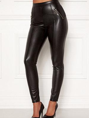 Chiara Forthi svarta byxor Rivalta faux leather pants