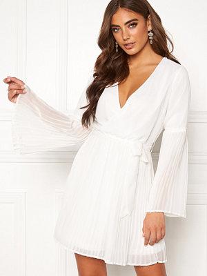 Bubbleroom Paulinn pleated dress White