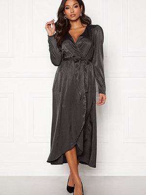 Vero Moda Julia V-neck Calf Dress