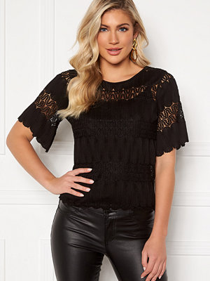 Happy Holly Maria lace top