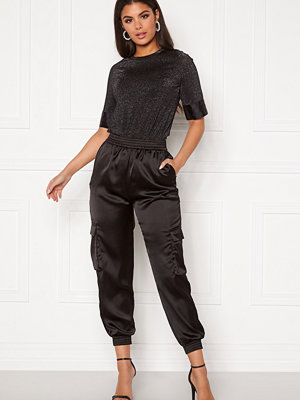 Pieces svarta byxor Carly HW Pants