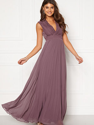Moments New York Loana Crochet Gown