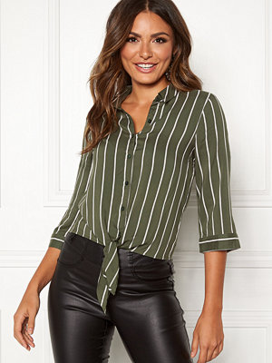 Happy Holly Juliette ss knot shirt
