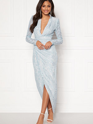 Moments New York Becca Lace Gown