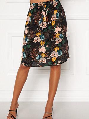Strandplagg - Happy Holly Lina beach skirt Black / Floral