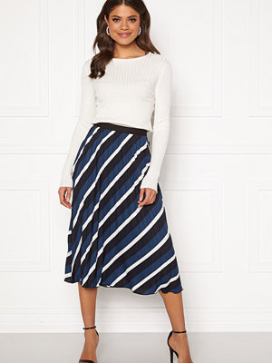 Only Agnes Above Calf Plisse Skirt