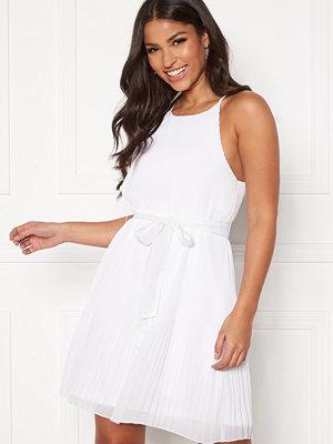 Bubbleroom Nemira pleated dress White