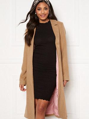 Sandra Willer X Bubbleroom Belted coat